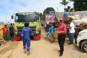 Soeryo Respationo Meninjau Langsung Pelaksanaan Semenisasi Kampung Ari Batam Centre