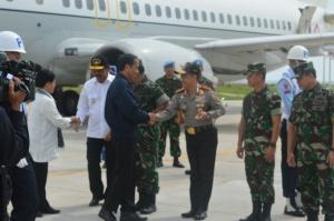 Presiden Jokowi disambut hangat oleh Kapolri Tito Karnavian
