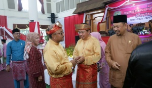 Tampak suasana keakraban antara Ketua DPRD Kota Tanjungpinang, Suparno dan Walikota Tanjungpinang